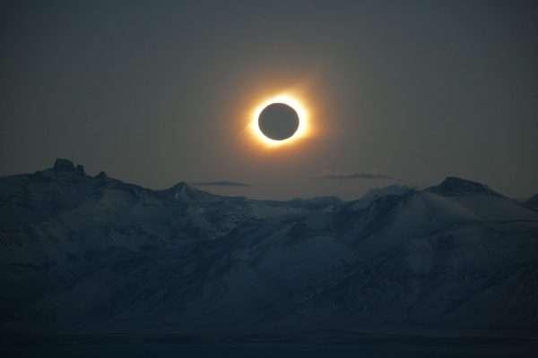 Eclipse total pucón 2020
